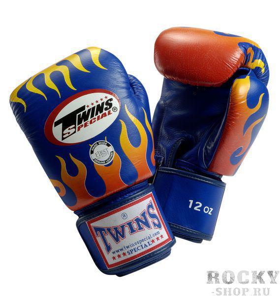 Перчатки боксерские тренировочные на липучке, 12 унций Twins SpecialБоксерские перчатки<br>Перчатки боксерские тренировочные на липучке от Twins Special. <br> Материал – натуральная кожа высшего качества<br> Ручная работа<br> Удобная застежка на липучке<br> Фиксированный большой палец<br> Идеальное соотношение цена-качество<br> Внутренний материал из многослойной высококачественной пены<br> Изображение пламени на ударной части<br><br>Цвет: Синий