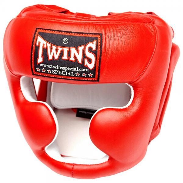 Боксерский шлем Twins Special HGL-3, Размер L Twins SpecialШлемы ММА<br>Шлем HGL-3Twins HGL-3 — это полнозащитный боксерский шлем, надежно защищающий лицо фактически от любых микротравм. Его применяют на тренировках, когда важно предельно обезопасить боксера от разнообразных микротравм лица, челюстей, костей носа и т. п. В его конструкции предусмотрена защита щек, нижней челюсти, подбородка, можно даже сказать, фактически всего лица и головы. Шлем может иметь красный, черный, синий цвет, предусмотренный правилами боевых единоборств (бокса, таиландского бокса). ПреимуществаЭтот полнозащитный шлем от Twins Special обладает следующими преимуществами:у него первоклассная анатомическая вид, вследствие которой шлем безупречно сидит на голове боксеров, не съезжает и не натирает кожу;он изготавливается из высококачественной 100% кожи, это гарантирует наивысшую устойчивость шлема износу, минимизирует риск аллергических реакций;шлем имеет пенистый наполнитель, обладающий хорошими амортизационными свойствами;у него есть дополнительные уплотнения, окружающие уши;это индивидуальное работа;у шлема HGL-3 комфортабельная застежка-липучка;модель имеет первоклассное соотношение качества и цены;есть совокупность регулировки, позволяющая кастомизировать шлем по голове боксера и надежно закрепить его. Наше предложениеВ современном интернет магазине боксерской экипировки «Рокки» мы предлагаем недорого приобрести полнозащитные шлемы Twins HGL-3 по привлекательным, конкурентным ценам. У нас в наличии шлемы, имеющие M, L, XL размеры. Под заказ мы сможем найти для наших покупателей тренировочные шлемы менее востребованных размеров или расцветок. Для вас возможна бесплатная доставка приобретенных у нас товаров. Консультанты помогут выбрать наиболее подходящий тренировочный шлем Twins в зависимости от окружности головы. Мы предлагаем исключительно первоклассные изделия, приобретенные непосредственно на заводах этого известного производителя. <br> Надежно защищает лицо от повреждений<br> Отличн
