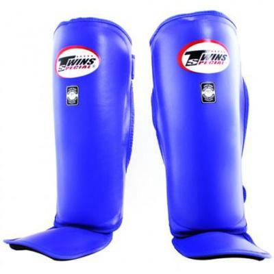 Защита голени, Размер XL Twins SpecialЗащита тела<br>Подходят для использования на состязаниях и тренировках<br> Двойная застежка на липучке<br> Изготовлены индивидуально из 100% первоклассной кожи<br><br>Цвет: Синий