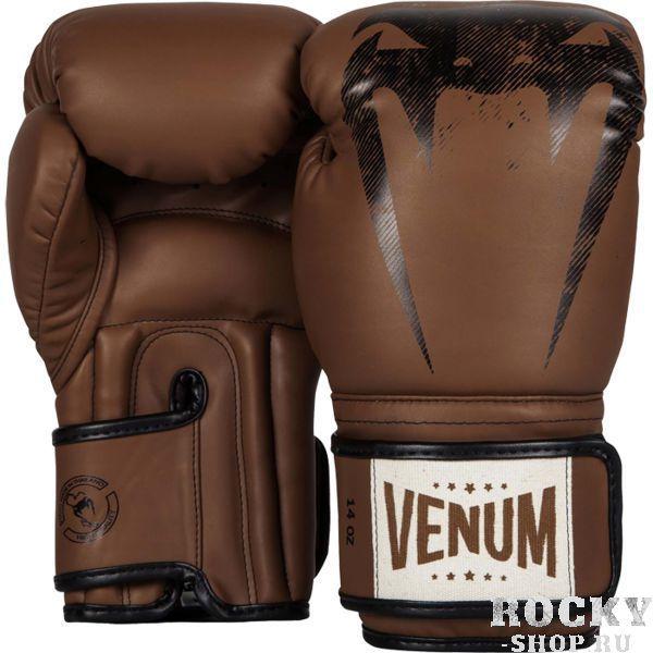 Перчатки боксерские Venum Giant Sparring Brown, 14 oz VenumБоксерские перчатки<br>Боксерские перчатки Venum Giant. Классические перчатки для бокса, муай тай, ММА. Предназначены главным образом для работы в спаррингах. очень хорошо сидят на руке. Широкая застежка обеспечивает надежную фиксацию перчаток Venum на запястье. Внутренний наполнитель - пена, которая обеспечивает хорошую амортизацию удара, а значит и обеспечивает хорошую защиту рук. Внешняя часть перчаток выполнена из материала Semi Leather. Очень качественно сделанные швы.<br>