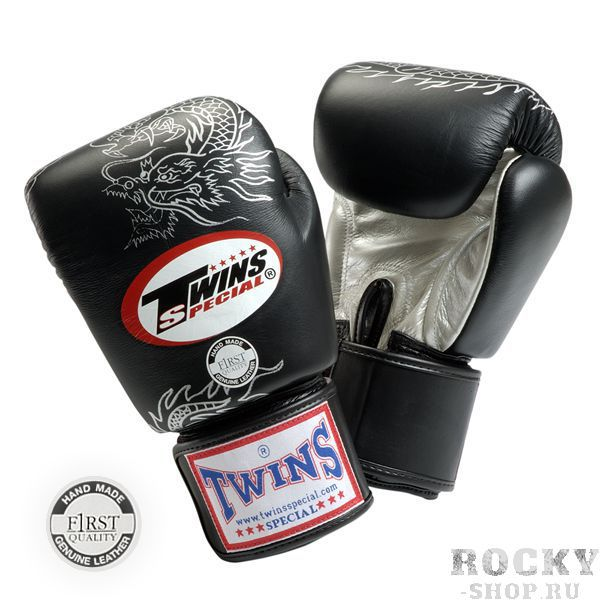 Детские перчатки боксерские тренировочные на липучке, 8 унций Twins SpecialДля бокса<br>Перчатки боксерские на липучке от Twins Special. <br><br> Материал – натуральная кожа высшего качества<br> Ручная работа<br> Удобная застежка на липучке<br> Фиксированный большой палец<br> Идеальное соотношение цена-качество<br> Внутренний материал из многослойной высококачественной пены<br> Изображение дракона на ударной части<br><br>Цвет: Черный