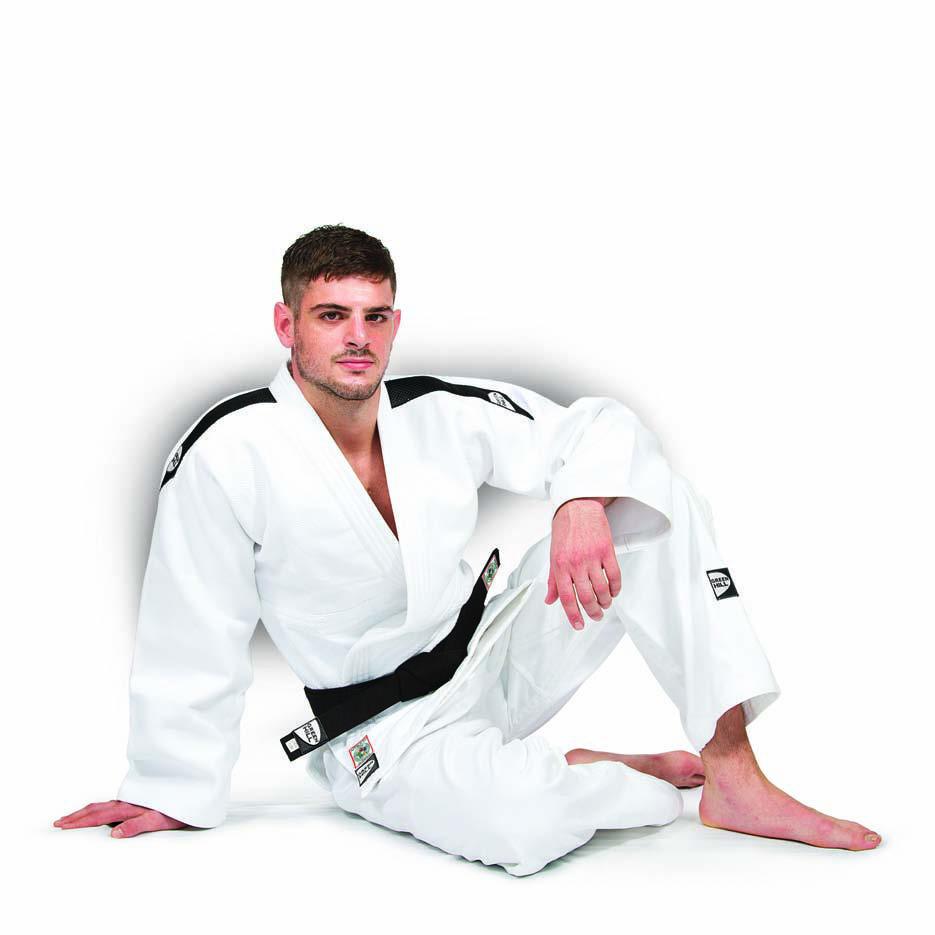 Детское кимоно для дзюдо PROFESSIONAL (одобрено IJF 2015) с черными погонами, Белый Green HillДля дзюдо<br>Материал: ХлопокВиды спорта: ДзюдоКимоно дзюдо PROFESSIONAL. Материал: 100% хлопок. Кимоно предназначено для использования в профессиональных тренировках. Конструктивная особенность нити делает материал, из которого пошито кимоно, чрезвычайно крепким, почти не поддающимся усадке после стирки (+-2%). Плотность 750г/мШирина ворота 4 см. Ворот прошит 4 строчками. Ворот легко вертикально сворачивается. Белое кимоно оформлено черными вставками в виде погон. Синее кимоно оформлено белыми вставками в виде погон<br><br>Размер: 150