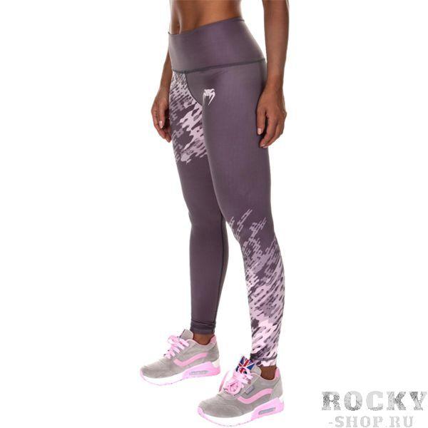 Женские компрессионные штаны Venum Neo Camo Grey VenumКомпрессионные штаны / шорты<br>Женские компрессионные штаны Venum Neo Camo Grey. Данные штаны можно охарактеризовать двумя словами: качество и стиль. С этими компрессионками от Venum вы будете думать только о тренировочном процессе, не отвлекаясь на неприятные ощущения в мышцах ног. Предназначены для улучшения кровообращения в мышцах, что, в свою очередь, способствует уменьшению времени на восстановление полной работоспособности мышцы. За счёт особенностей ткани штаны прекрасно садятся на фигуру, хорошо тянутся, абсолютно НЕ сковывают движения. Приятная на ощупь ткань. Штаны Venum достаточно быстро сохнут. Плоские швы не натирают кожу. Предназначены для занятий кроссфитом, фитнесом, железным спортом и т.д.. Состав: полиэстер и спандекс. Уход: Машинная стирка в холодной воде, деликатный отжим, не отбеливать.<br>