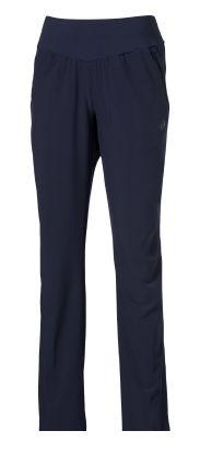 ASICS 124679 8124 WOVEN PANT Брюки AsicsСпортивные штаны и шорты<br>Спортивные брюки ASICS 124679 8124 WOVEN PANT •Стильные женские спортивные брюки изготовлены из полиэстера с добавлением эластана.•Мягкая, приятная на ощупь ткань обладает отличными влагоотводящими свойствами.•Удобные небольшие боковые карманы на молниях.•Широкий эластичный пояс обеспечивает комфортную посадку и надежную фиксацию.•Боковые молнии внизу брючин для регулирования ширины.•Светоотражающие элементы для повышения уровня безопасности в темное время суток.<br>