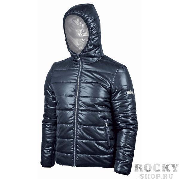 MIKASA MT188 0036 THEMA Куртка  MikasaКуртки / ветровки<br>Куртка MIKASA MT188 0036 THEMA•Мужская утепленная куртка на молнии изготовлена из полиэстера. •Куртка отлично согреет вас в прохладный осенний период. •Высокий ворот и капюшон позволяют быть защищенным в дождь и ветер. •Манжеты с резинкой не пропускают холодный ветер в рукава. •На левом рукаве вышит логотип бренда.<br><br>Размер INT: 4XL