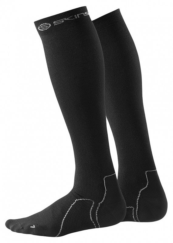 SKINS B59001934 RECOVERY COMPRESSION SOCKS Носки (черный) SkinsКомпрессионные штаны / шорты<br>B59001934 Носки Skins Recovery Compression Socks<br><br>Размер INT: XS