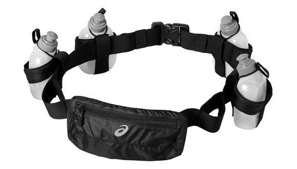 Asics 128114 0904 runners bottle belt сумка AsicsСпортивные сумки и рюкзаки<br>Спортивная сумка ASICS 128114 0904 RUNNERS BOTTLE BELT предназначена для использования спортсменами и людьми, ведущими активный образ жизни. Сумка снабжена удобными креплениями, что позволяет без проблем носить ее с собой. Качественный, износостойкий материал позволяет служить изделию долго и полностью выполнять свои функции.<br>