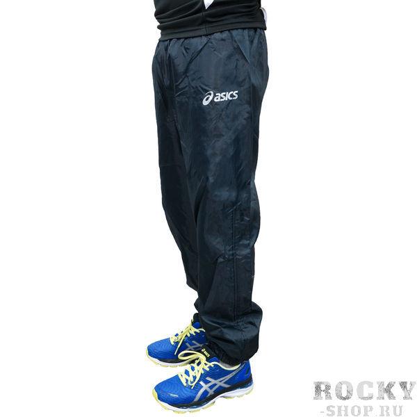 ASICS T268Z9 0050 PANT WIND JR 128 Брюки AsicsСпортивные штаны и шорты<br>Спортивные брюки ASICS T268Z9 0050 PANT WIND JR 128 •Детские ветрозащитные брюки от бренда ASICS для занятий в зале в холодный сезон.•Практичная водонепроницаемая ткань позволит тренироваться вашему ребенку легко и непринужденно, защищает от грязи и влаги.•Внутренняя поверхность - теплосберегающая (отражает тепло) и непродуваемая.•Брюки легко чистятся, комфортны в преимущественно прохладную погоду.•Щиколотки на эластичной резинке и металлическая застежка-кнопка для надежной фиксации, молния внизу брючин позволяет регулировать их ширину.<br>
