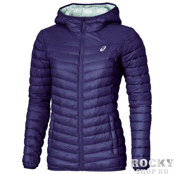 ASICS 134779 0245 PADDED JACKET Куртка AsicsКуртки / ветровки<br>Куртка ASICS 134779 0245 PADDED JACKET•Стильная стеганая женская куртка на искусственном утеплителе с капюшоном подойдет для прохладной погоды на весенне-осенний сезон.•Благодаря свойствам материалов куртка обеспечивает защиту от холода и ветра.•Низ рукавов, низ куртки и край капюшона обработаны эластичным материалом.•Куртка имеет удобные боковые карманы на молнии для хранения мелких предметов.<br>