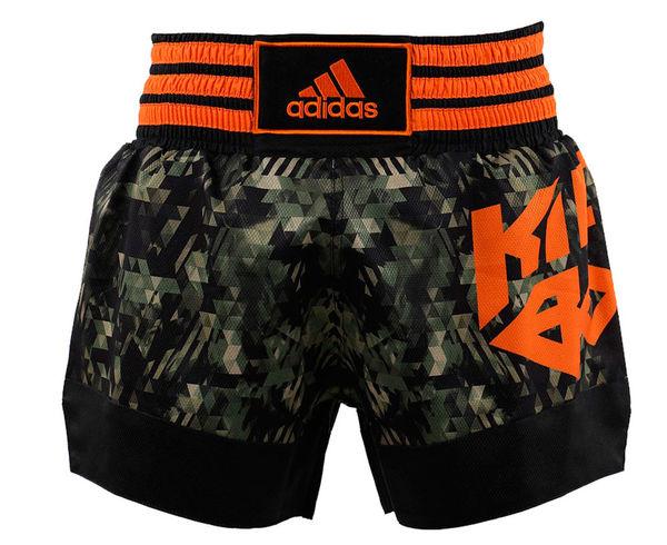 Шорты для кикбоксинга Kick Boxing Short Sublimated, камуфляжные AdidasШорты для тайского бокса/кикбоксинга<br>Шорты для кикбоксинга изготовлены из удобной и легкой ткани (110 гр/м2), эластана (Спандекс(Spandex)), по технологии DIAMOND FLEX®. Структура которой, в форме кристаллов алмаза обеспечивает необходимую ультра-легкость, обладает абсорбирующими свойствами эффективно отводя влагу от тела во время тренировки и быстро высыхает. Flex-это уникальная в своем роде ткань разработанная компанией adidas, для того, чтобы оптимизировать и улучшить производительность движения спортсмена.  Ткань Спандекс(Spandex) по технологии DIAMOND FLEX®, отводит влагу с поверхности кожи. Легкий материал позволяет коже дышать. Материал: 100% полиэстер.<br><br>Размер INT: S