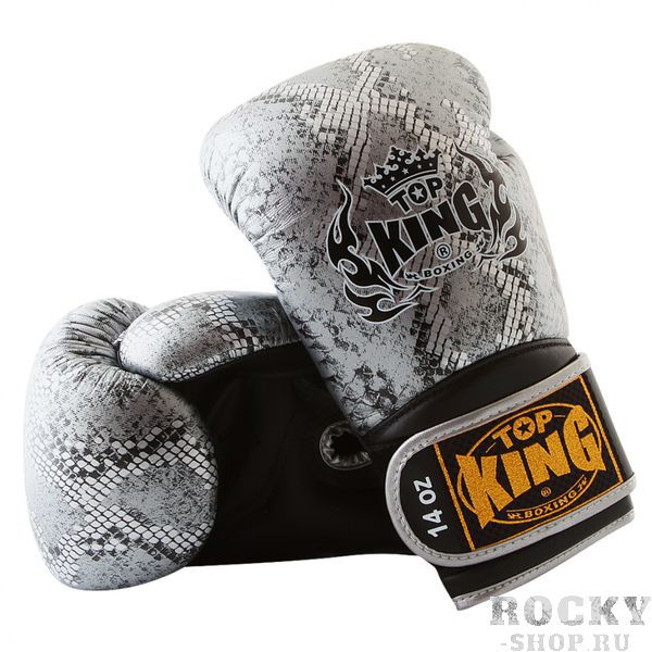 Перчатки для тайского бокса Top King Ultimate Змея, 14 oz Top KingЭкипировка для тайского бокса<br>Боксерские перчатки Top King Ultimate, стилизованные под змеиную кожу — качественные перчатки от ведущей компании-производителя экипировки для тайского бокса. Перчатки Top King Ultimate выполнены из натуральной кожи высшего качества, все перчатки делаются вручную. Внутри перчаток специальная защитная пена, которая поглощает удары, а удлиненная манжета обеспечивает дополнительную фиксацию запястья. Производство перчаток — Таиланд.<br><br>Цвет: черно-серебряный/black-silver