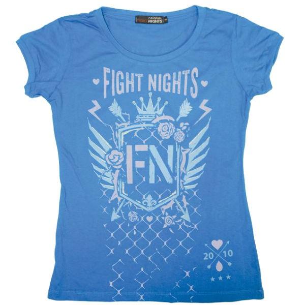 Футболка женская Fight Nights Стрелы, голубая Fight NightsФутболки<br>Женская футболка из новой коллекции от компании Fight Nights. Яркие цвета, логотип компании и качественный дышащий хлопок - все что нужно для тех, кто любит удобные, практичные, но в то же время индивидуальные вещи! Футболка выполнена из натурального хлопка.<br>