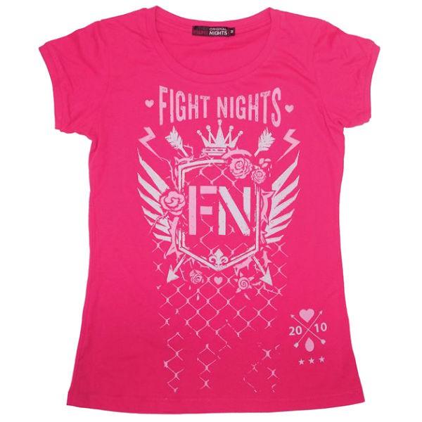 Футболка женская Fight Nights Стрелы, фуксия Fight NightsФутболки / Майки / Поло<br>Женская футболка из новой коллекции от компании Fight Nights. Яркие цвета, логотип компании и качественный дышащий хлопок - все что нужно для тех, кто любит удобные, практичные, но в то же время индивидуальные вещи! Футболка выполнена из натурального хлопка.<br><br>Размер INT: XS