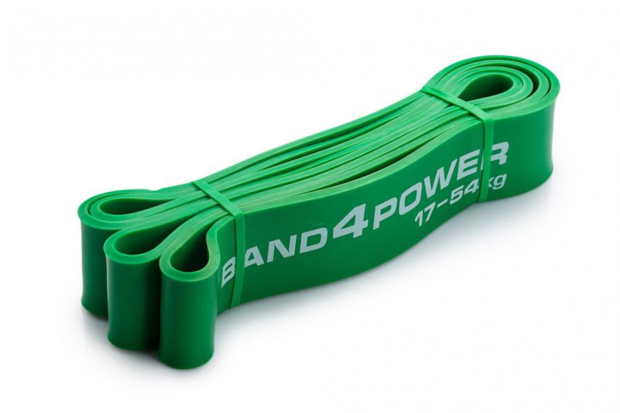 Зеленая резиновая петля, 17-54 кг Band4PowerАксессуары для фитнеса<br>Зеленая петля - это своеобразная золотая середина полного набора резиновых петель. Это универсальная петля, которая позволяет выполнять огромное количество упражнений, но по большей части силовых (становая, отжимания от пола, присед) и изолированных (подъем на бицепс, гиперэкстензия, армейский жим, шраги, тяга к подбородку). Активно используется также в тренировках по кроссфиту и в тяжелой атлетике!<br>Нагрузка 17-54 кг<br><br>Вес 0. 42 кг<br><br>Длина 104 см<br><br>Толщина 4. 5 мм<br><br>Ширина 45 мм<br>