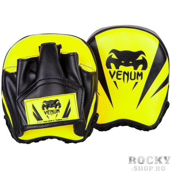 Тренерские лапы Venum Elite Big Focus Mitts VenumЛапы и макивары<br>Тренерские скоростные лапы Venum Elite Mini Punch Mitts. Тренерские лапы от Venum, сшитые вручную в Тайланде. Размер позволяет тренеру задавать самую большую скорость спортсмену, а так же работать над его точностью. Специальная изогнутая конструкция для удобства работы на лапах. Внешняя обивка: Semi leather! Габариты: 16*15см. Сделано в Таиланде. Купить лапы Venum можно в нашем магазине либо оформив заказ на доставку.<br>