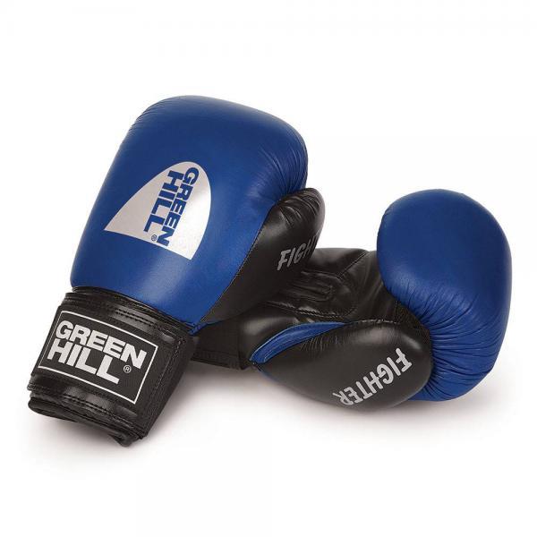 Боксерские перчатки Green Hill FIGHTER, 12 OZ Green HillБоксерские перчатки<br>Боксерские перчатки Green Hill FIGHTER - отличный выбор для тех, кто уже знаком с ударными видами единоборств. FIGHTER пользуются особенно хорошим спросом среди кикбоксеров. Перчатки сделаны из комбинированной кожи : ударная часть из натуральной кожи, ладонь из искусственной. Эластичный манжет на липучке позволяет быстро снимать и одевать перчатки. Применение технологии Антинокатут делает эти перчатки очень востребованным атрибутом спортсменов-любителей.<br><br>Цвет: Синие