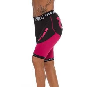 Компрессионные шорты Bad Boy Ladies Sphere Bad BoyКомпрессионные штаны / шорты<br>Компрессионные шорты Bad Boy Ladies Sphere  – идеальный вариант шорт для занятий фитнесом, бегом, велосипедом или борьбой. Они прекрасно дополнят ваш спортивный образ и выделят достоинства. Самое главное преимущество женских компрессионных шорт Bad Boy – они создают идеальную терморегуляцию, необходимую для защиты от травм и растяжений. Материал пропитан антибактериальным составом, поэтому поглощают запах и противостоят бактериям.Состав: 90% полиэстер, 10% спандекс<br>