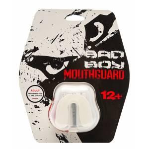 Капа Bad Boy Mouthguard Gel White Bad BoyБоксерские капы<br>Капа Bad Boy Mouthguard Gel Black Одночелюстная капа предназначена для любых контактных видов спорта. Благодаря своей форме и материалу, легко варится и формируется на челюсти. Создает максимальную защиту . Не затрудняет дыхание. Подходит для спортсменов возрастом от 12 лет. В комплекте представлен чехол.Состав: гель, сверхпрочная резина.<br>