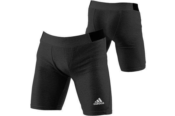 Шорты компрессионные Closefit Shorts черные AdidasКомпрессионные штаны / шорты<br>Классические компрессионные шорты из прочного 100% полиэстера. Пользуется популярностью у бойцов смешанных единоборств,кроссфите и беге. Резинка из прочного тянущегося материала с добавлением неопрена по бокам для еще большего комфорта. 100% полиэстерНеопреновые вставки по бокам.Классический силуэт.<br>