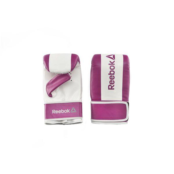 Перчатки снарядные Reebok Retail Boxing Mitts - Purple, Размер S ReebokCнарядные перчатки<br>Современные и яркие боксерские перчатки Reebok с плотным внутренним наполнением для превосходной защиты рук при работе с «лапами» и общих тренировках. Перчатки легко снимать и надевать, они имеют эластичную поддержку запястья и вентилируемую вставку на ладони, чтобы охлаждать руки во время тренировки. Подходящие как для новичков, так и для продвинутых спортсменов, эти прочные перчатки послужат Вам на протяжении многочисленных регулярных тренировок. Тренировки с «лапами» служат отработке навыков ударов и атак, и перчатки Reebok будут стильным и практичным дополнениям к таким тренировкам – а также, Вы всегда можете взять их с собой, и они отлично подойдут для спонтанной спарринг-сессии.<br>