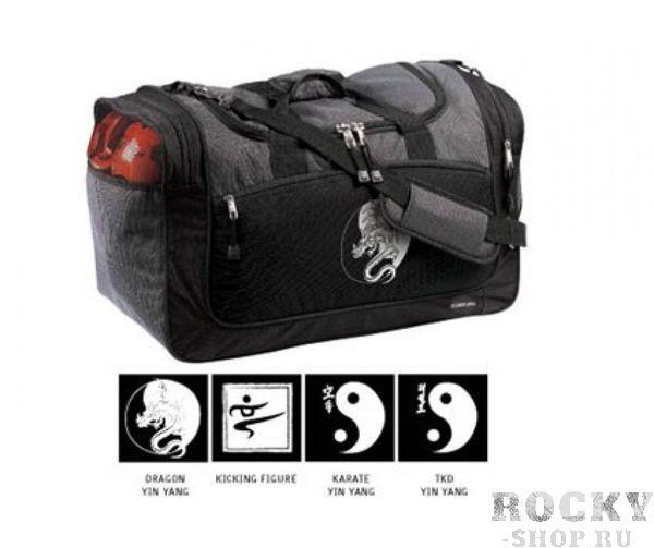 Сумка спортивная Century (kicking figure) CenturyСпортивные сумки и рюкзаки<br>* Мягкая подушка на ремне через плеч. * Внутренний карман для маленьких вещей. * Наружный карман на замк. * Сетчатая поверхность каждой стороны кармана обеспечивает вентиляцию одежд. * Глубокий карман для длинных вещей в одной стороны сумки. * Размеры: 28 см (ширина)*54 см (длина)*38 см (высота)* На рисунке: фигура, бьющая ногой. * Цвета: черно-серый; синий<br><br>Цвет: Черная