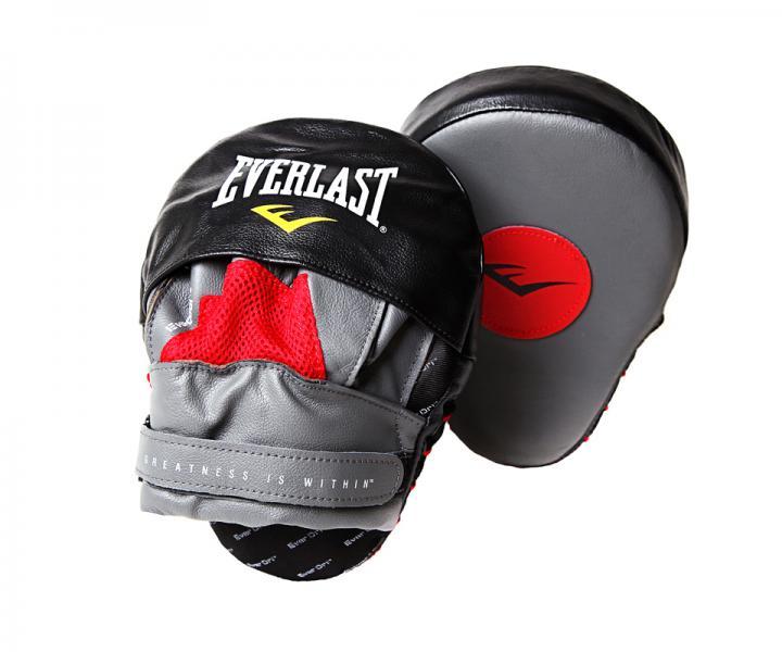 Лапы боксерские изогнутые Everlast  Mantis Punch Mitt EverlastЛапы и макивары<br>Классические лапы в форме клешни богомола, Mantis Mitts предназначены для боксерских занятий спортом. Небольшая ударная поверхность позволяет отработать чувство времени и отточить скорость ударов. Качественная кожа гарантирует долговечность и износостойкость, проработанная защита пальцев - безопасность во в ходе занятий спортом, а комфортные застежки на липучках - удобство и жесткую фиксацию на руке. Продаются парой.<br><br>Цвет: черно/красный
