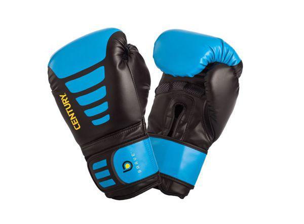 Перчатки боксерские Century BRAVE, 14 oz CenturyБоксерские перчатки<br>Предназначены как для отработки ударов по снарядам, так и для тренировокс партнером. Плотные суппорта с вшитойупругой сеткой, дополнительно защищают запястья, снижая кистевую усталость. Клеточное покрытие наладонях обеспечивает комфортнуювентиляцию. Покрытие: ПолиуретанНаполнитель: Пена<br>