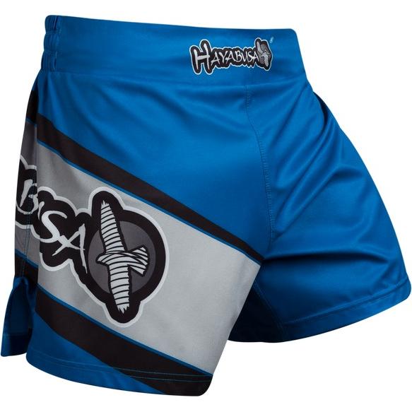 Шорты Hayabusa Kickboxing HayabusaШорты для тайского бокса/кикбоксинга<br>Шорты Hayabusa Kickboxing. Очень лёгкие, но при этом очень прочные шорты. Материал, из которого сделаны шорты Hayabusa, хорошо тянется. Так же присутствуют боковые разрезы на бёдрах. За счет этих факторов шорты становятся очень удобными в работе и не создают ни малейшего намёка на дискомфорт. Так же необходимо отметить, что данные шорты короче своих ММА-аналогов. Шорты Hayabusa Kickboxing достаточно быстро сохнут после стирки. Этот фактор позволит использовать их максимально часто. Все рисунки сублимированы в ткань. Подходят для занятий самыми различными единоборствами, кроссфитом, фитнесом, железным спортом и т. д. . Уход: машинная стирка в холодной воде, деликатный отжим, не отбеливать.<br><br>Размер INT: M