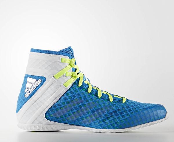 Боксерки Speedex 16.1 сине-белые AdidasБоксерки<br>Боксерки adidas Speedex 16. 1- отличается высокой прочностью, комфортом и отличной вентиляцией. Гибкая, анатомически правильная конструкция боксерок позволяет ноге с легкостью сгибаться, а так же способствует большей амплитуде движения ноги. Благодаря технологии climacool® 360°,имеют превосходную вентиляцию ноги во время интенсивных тренировок. Сетчатый верх из полиэфирных нитей, обладающей отличным воздухообменом в сочетании с специальным Z- образным усилением в районе лодыжки,для обеспечениямаксимальной стабильности. Безопасная шнуровка по центру способствует плотной и удобной посадке боксерок на ноге.  Мягкая, внутренняя стелька и промежуточная подошва выполнены из легкого, упругого пеноматериала, который эффективно амортизирует ударную нагрузку, воздействующую на стопу и голеностопный сустав при активном передвижении по рингу. Цельная подошва с технологиейadiPRENE®+ в состав которой входитсверх упругий материал, который служит одной цели: создать максимальное усилие в области носка в момент отталкивания. Использование этой технологической разработки позволяет атлету значительно повысить скорость и эффективность выполнения движений. Состав: 100% синтетика. ТехнологияadiPRENE®+. Технология climacool® 360°. Прочный верх из плотной дышащей сетки поддерживает комфортный микроклимат и отводит излишки тепла и влаги. Z-образное усиление пяточной зоны для поддержки средней части стопы и лучшей устойчивости. Надежная система шнуровки. Стелька EVA, обеспечивает великолепную амортизацию и создает равномерное распределение нагрузок по поверхности подошвы ступни. Износостойкая подошва ADIWEAR™ для отличного сцепления с гладкой поверхностью ринга. Состав: 100% полиэстр<br><br>Размер: 40.5 [UK 8]