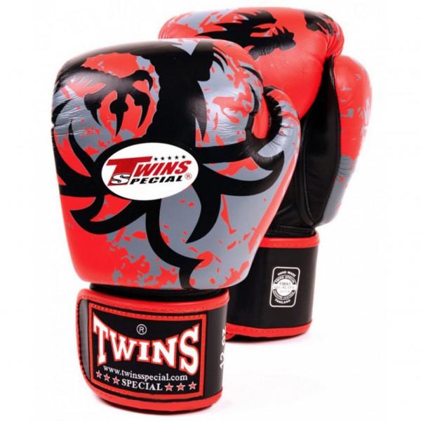 Перчатки боксерские Twins FBGV-36-Red, 12 унций  Twins SpecialБоксерские перчатки<br>Перчатки боксерские Twins FBGV-36-Red прекрасно подойдут для тайского бокса, кикбоксинга или классического бокса. Особенности:- Натуральная кожа высшего качества- Удобная застежка на липучке- Идеальное соотношение цена/качество- Фиксированный большой палец- Внутренний материал из многослойной высококачественной пены- Ручная работа<br>