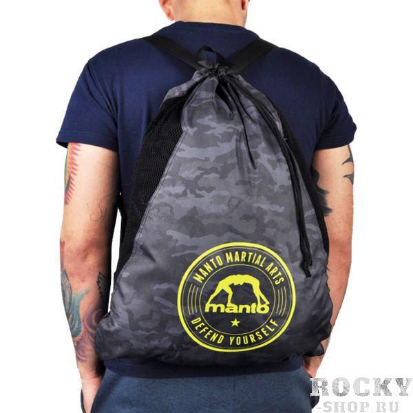 Спортивный мешок Manto Black Camo MantoСпортивные сумки и рюкзаки<br>Спортивный мешок Manto Black Camo. Лёгкий спортивный мешок для переноски экипировки. Прекрасно послужит как для походов в спортзал, так и для поездок на отдых и в путешествиях. Отлично подойдет для переноски ги, обуви, одежды, перчаток. Размеры рюкзака: 55 х 45 см Материал: 100% полиэстер.<br>