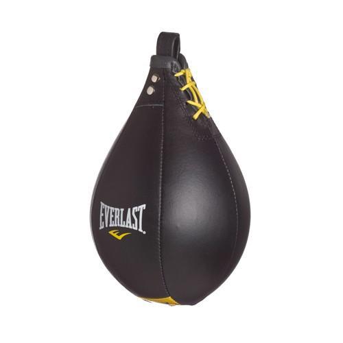 Груша боксерская Everlast скоростная Cow Leather L EverlastСнаряды для бокса<br>Груша Everlast Leather Speed Bag направлена для развития скорости ваших ударов. Изготовлена из первоклассной кожи, все строчки дополнительно укреплены, вследствие чему увеличилась долговечность и износостойкость. Груша превосходно сбалансирована, что гарантирует идеальный рикошет при ударах, облегчая тренировку. Размер: Размер: 7х10 дюймов (17,5х25 см. )Внимание! Груши типа Speed Bag используются исключительно для проработки скорости.<br>