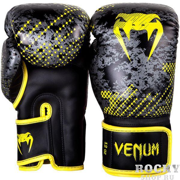 Боксерские перчатки Venum Tramo, 16 oz VenumБоксерские перчатки<br>Боксерские перчатки Venum Tramo. Отлично защищают руку! Очень хорошо сидят на руке. Широкая застежка с резинкой, обеспечивает надежную фиксацию перчаток Venum на запястье. Внутренний наполнитель - пена, которая обеспечивает хорошую амортизацию удара. Внешняя часть перчаток выполнена из искусственного современного материала Semi Leather. Сделано в Тайланде.<br>