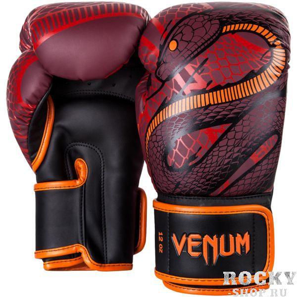 Боксерские перчатки Venum Snaker, 14 oz VenumБоксерские перчатки<br>Боксерские перчатки Venum Snaker. Отлично защищают руку! Очень хорошо сидят на руке. Широкая застежка с резинкой, обеспечивает надежную фиксацию перчаток Venum на запястье. Внутренний наполнитель - пена, которая обеспечивает хорошую амортизацию удара. Внешняя часть перчаток выполнена из искусственного современного материала Semi Leather. Сделано в Тайланде.<br>