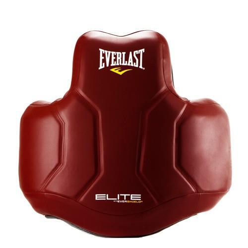 Защита корпуса для тренера Everlast Elite, Красный EverlastЗащита тела<br>Современный дизайн с технологией Evershield, которая включает в себя слои с высококачественной набивкой, ударопрочной синтетической кожей и полный охват тела для обеспечения высочайшего уровня защиты ELITE. Легкую контурную форму наполняет множество слоев поглощающей энергию пены для обеспечения большей защиты, при этом позволяя вам свободно перемещаться во время тренировки. Пять регулируемых точек безопасности обеспечивают настраиваемую подгонку под конкретного спортсмена.<br>