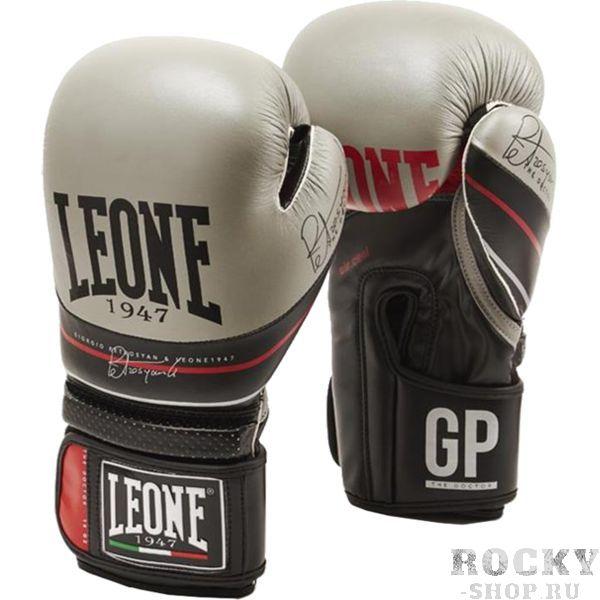 Боксерские перчатки Leone The Doctor, 10 oz LeoneБоксерские перчатки<br>Боксерские перчатки Leone The Doctor. Перчатки отлично садятся по руке и не доставляют каких-либо неудобств при использовании. Подойдет как любителям, так и для настоящих профессионалов. Можно использовать и для работы по мешку, и для работы в спарринге. Внешняя часть перчаток - кожа высокого качества, внутренняя - искусственная.<br>