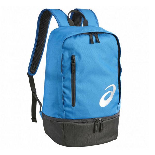 Рюкзак ASICS 132077 8154 TR CORE BACKPACK  AsicsСпортивные сумки и рюкзаки<br>Рюкзак ASICS 132077 8154 TR CORE BACKPACK•Вместительный универсальный рюкзак как для походов, так и для прогулок по городу. •Рюкзак выполнен из прочного текстиля и имеет вместительное основное отделение на молнии. •Внутреннее отделение для ноутбука для телефона, кошелька и др. •Небольшой сетчатый карман для бутылки или влажных вещей. Внешний карман на молнии для хранения небольших предметов. •Уплотненная спинка смягчает воздействие при беге, а регулируемые лямки и ремень обеспечивают оптимальную посадку. •Размеры (Д х Ш х В): 27 х 19 х 45 см.<br>