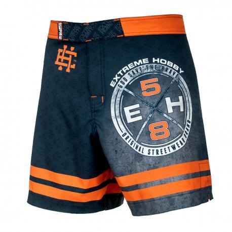 Спортивные шорты Extreme Hobby REBEL Extreme HobbyСпортивные штаны и шорты<br>Ультралегкие шорты, изготовленные по спец технологии сплетения полиэфирного волокна с техникой рип-стоп . Чрезвычайно прочные с очень низкой поверхностной плотностью. Эластичная ткань обеспечивает свободу движений во время интенсивных тренировок . Шорты приятны на ощупь. Не впитывают влагу и не теряют цвет из-за УФ-излучения (рисунки не выцветают на солнце).<br><br>Размер INT: XXL