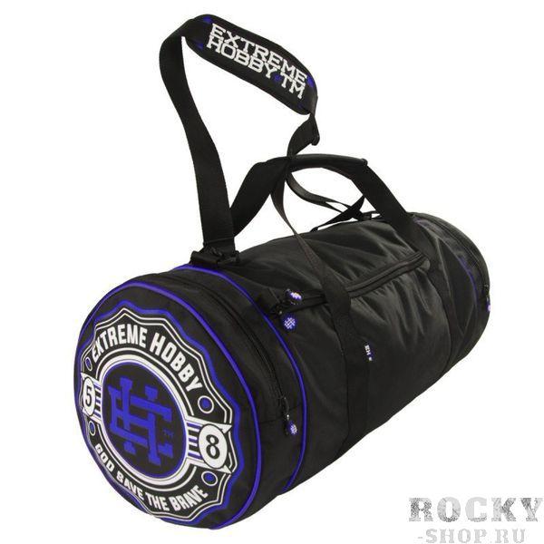Спортивная сумка Bazooka сине-черный Extreme HobbyСпортивные сумки и рюкзаки<br>Удобная и функциональная спортивная сумка BAZOOKA (различных цветов). Внутри сумки есть основное отделение и один внутренний карман на молнии. Сумка также оснащена двумя боковыми карманами. Две усиленные ручки и регулируемый эргономичный ремень для носки на плече. Диаметр: 31см / Общая длина: 67см / ширина основного отсека: 51см / ширина боковых карманов: 8 см. Также обратите внимание на другие наши аксессуары. <br>КОЛЛЕКЦИЯ: 58 BASIC<br>ЦВЕТ: СИНИЙ<br>МАТЕРИАЛ: 100% ПОЛИЭСТЕР<br><br>Размер: Универсальныйразмер