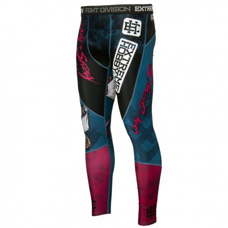 Штаны компрессионные MONKEY Extreme HobbyКомпрессионные штаны / шорты<br>Леггинсы изготовлены из высококачественного материала. Водоотталкивающая ткань оставляет тело сухим, а мышцы разогретыми. Логотипы нанесены по технологии сублимации, благодаря чему рисунок не трескается и не царапает тело. Специальная резинка на талии предотвращает соскальзываение во время боя.<br><br>Размер INT: L