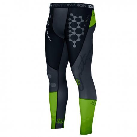 Штаны компрессионные RAPID (зеленый) Extreme HobbyКомпрессионные штаны / шорты<br>Леггинсы изготовлены из высококачественного материала. Водоотталкивающая ткань оставляет тело сухим, а мышцы разогретыми. Логотипы нанесены по технологии сублимации, благодаря чему рисунок не трескается и не царапает тело. Специальная резинка на талии предотвращает соскальзываение во время боя.<br><br>Размер INT: L