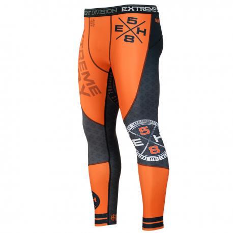 Штаны компрессионные REBEL Extreme HobbyКомпрессионные штаны / шорты<br>Леггинсы изготовлены из высококачественного материала. Водоотталкивающая ткань оставляет тело сухим, а мышцы разогретыми. Логотипы нанесены по технологии сублимации, благодаря чему рисунок не трескается и не царапает тело. Специальная резинка на талии предотвращает соскальзываение во время боя.<br><br>Размер INT: XL