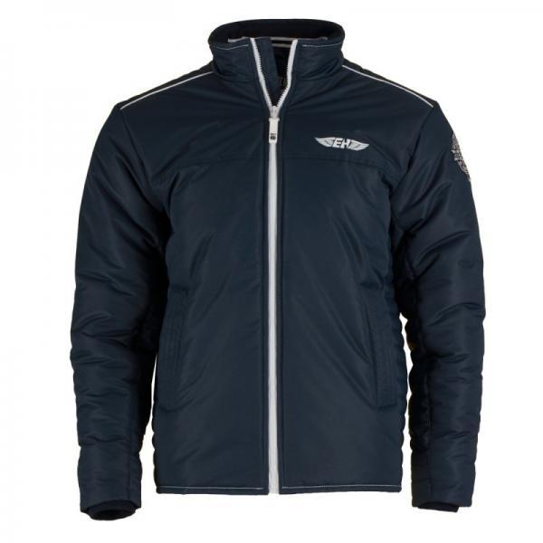 Куртка Raven темно-синий Extreme HobbyКуртки / ветровки<br>Зимняя куртка EXTREME HOBBY RAVEN. Прекрасная защита от ненастной погоды. Благодаря внутреннему наполнителю хорошо сохраняет тепло. RAVEN– это легкая куртка спортивного кроя. Модель оснащена эластичными манжетами и двумя внутренними карманами на молнии. Материал: 100% полиэстер. <br>КОЛЛЕКЦИЯ: 58 BASIC<br>ЦВЕТ: СИНИЙ<br>МАТЕРИАЛ: 100% ПОЛИЭСТЕР<br><br>Размер INT: L