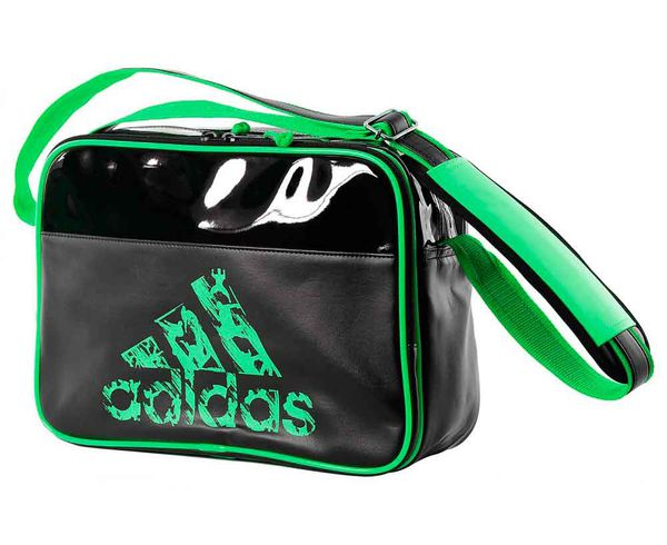 Сумка спортивная Leisure Messenger S черно-зеленая AdidasСпортивные сумки и рюкзаки<br><br><br>Размер: S