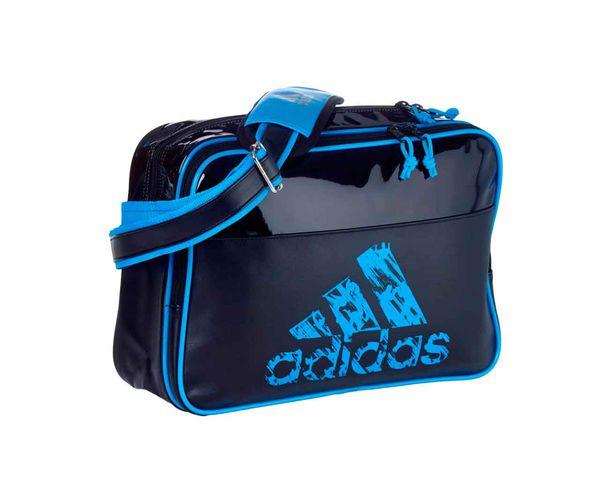 Сумка спортивная Leisure Messenger S черно-синяя AdidasСпортивные сумки и рюкзаки<br><br><br>Размер: S
