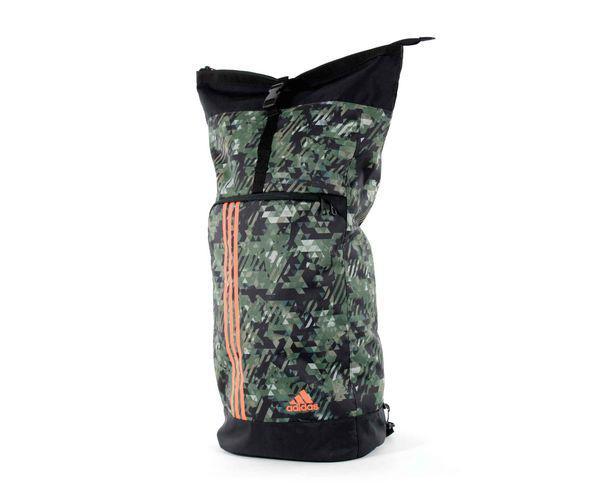 Рюкзак Training Military Sack Camo M камуфляжно-оранжевый AdidasСпортивные сумки и рюкзаки<br>Модель 2017 года.  Коллекция adidas martial art &amp; boxing.  Эта уникальная сумка спортивная изготовлена из материала, устойчивого к воздействию внешних факторов! Позволяет носить всёсвоёснаряжение для тренировок. Рюкзак очень удобный, потому что его можно легко свернуть в зависимости от необходимости. Удобные плечевые ремни , которые можно соединить с помощью молнии гарантируют простоту и удобство ношения. Удобная конструкция рюкзака. Материал: 100% полиэстер. Большое кол-во карманов. На верхней части сумки расположена дополнительная ручка. Размер: М - - 60 x 21 x 30 см, 25 л<br>