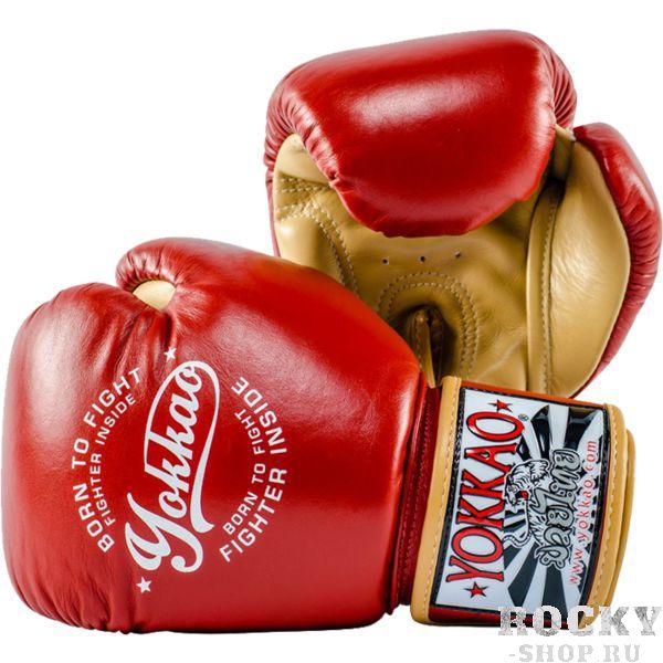 Боксерские перчатки Yokkao Vintage Red, 10 oz YokkaoБоксерские перчатки<br>Боксерские перчатки Yokkao Vintage Red. Yokkao - один из лидеров по производству экипировки для тайского бокса. Данные перчатки подойдут и для работы на мешках, и на лапах, и для работы в самых жестких спаррингах. Внутри перчатки наполнены пеной, которая хорошо гасит силу ударов и не дает рукам травмироваться. Большой палец на перчатки зафиксирован. Данные перчатки для бокса выполнены из кожи КРС. Запястье надёжно фиксируется манжетой. Сделаны вручную в Таиланде.<br>