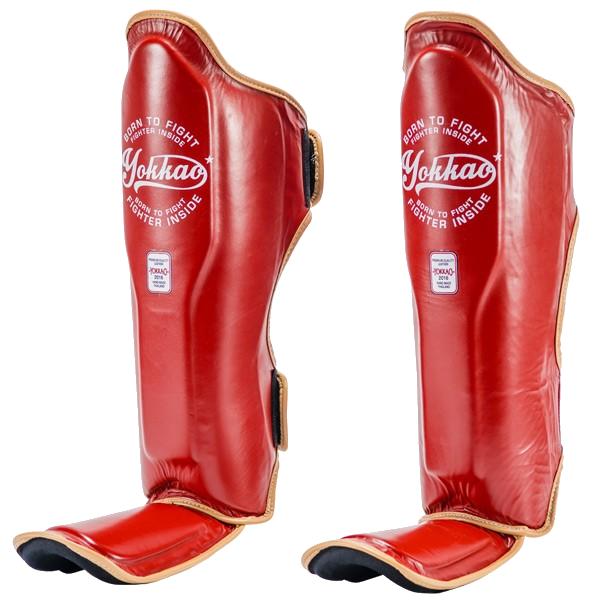 Шингарды Yokkao Vintage YokkaoЗащита тела<br>Защита на ноги (шингарды) Yokkao Vintage. Данный вид шингард предназначен для особо сильной работы ногами. Поэтому эта защита голени пользуется популярностью у бойцов тайского бокса и к-1. Хорошо облегают ногу не создавая какого-либо дискомфорт бойцу. Метод крепежа- регулируемый ремешок-липучка. Предусмотрена защита не только голени, но так же суставов и связок стопы. Все швы тщательно укреплены. Внешняя обивка: 100% кожа. Продаются парой. Сделано в Таиланде.<br><br>Размер: XL