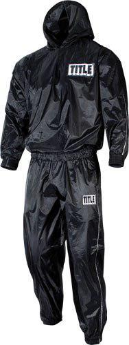 Костюм-сауна Title с капюшоном TITLEКостюмы-сауны<br>Костюм для сгонки веса изготовлен из плотного стойкого к прорывам нейлона. Удобные резинки на поясе куртки и брюк и на вороте куртки. Разработан для профессионалов.<br><br>Размер INT: L