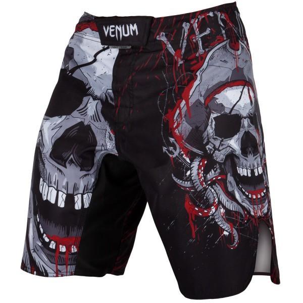 Шорты ММА Venum Pirate 3.0 Black/Red VenumШорты ММА<br>Шорты ММА Venum Pirate 3. 0 Black/Red сделаны из высокопрочной ткани с усиленными швами, которые выдержат любые нагрузки в боевых единоборствах. Они гарантируют, что любое Ваше движение не будет сковано - крой широкий, боковые разрезы присутствуют. Сетчатые панели обеспечат оптимальную терморегуляцию. Тройная липучка со шнурком на талии дают полную фиксацию шорт. Дизайн полностью сублимирован в ткань и никогда не сотрется. Эта модель предназначена для настоящих воинов, которые никогда не сдаются. Особенности:- 100% полиэстер- система фиксации на липучках со шнурком- дизайн сублимирован в волокно- усиленные швы- терморегулирующие панели<br><br>Размер INT: L